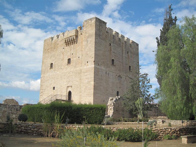 """Замок Колосси также является родоначальником знаменитого кипрского вина """"Коммандария"""""""