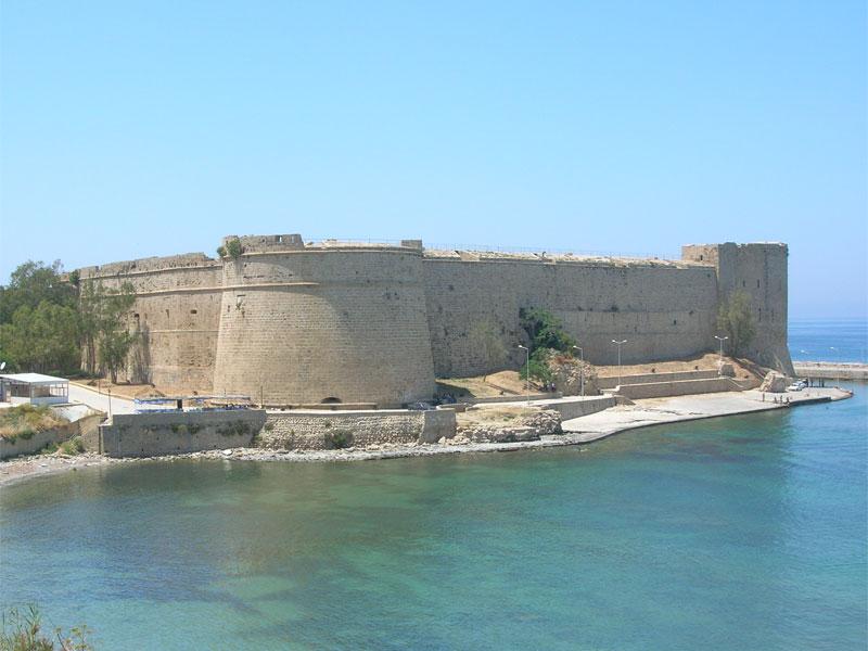 Киренийский замок одновременно являлся королевской резиденцией династии Лузиньянов