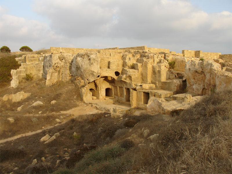 Древний некрополь возле Пафоса называется царским из-за своего пышного убранства
