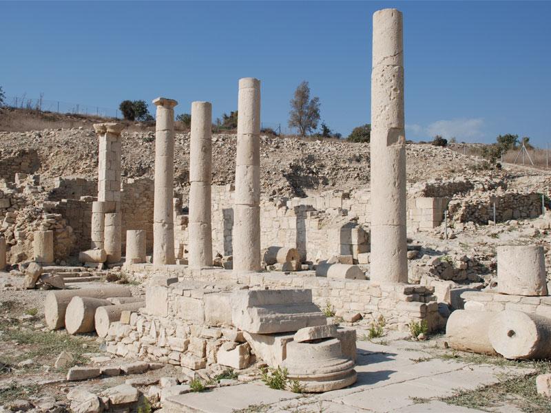 Руины храма Афродиты на территории Аматуса