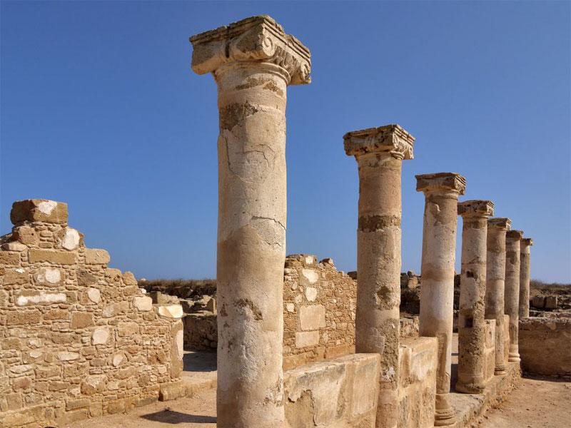 В античном Пафосе сохранилось много оригинальных построек