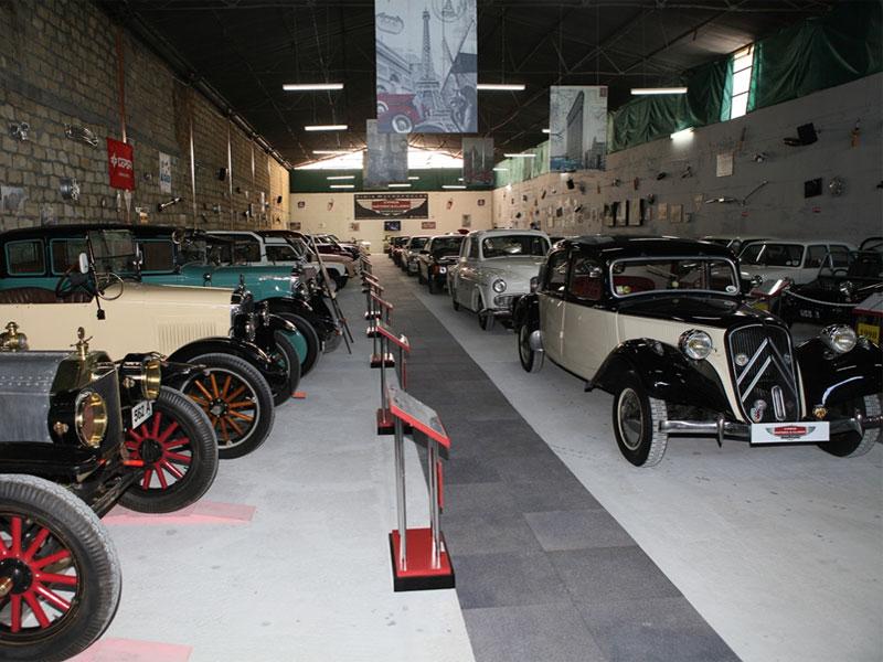 Экспонаты музея охватывают почти всю историю автомобилестроения прошлого века