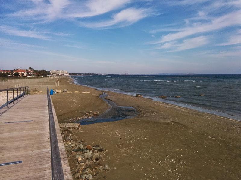 Пляж Янатес / Yanathes Beach
