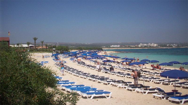 Пляж Макронисос / Macronissos Beach