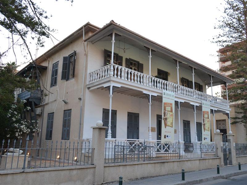 Музей Пиеридиса расположен в шести комнатах бывшего семейного колониального особняка
