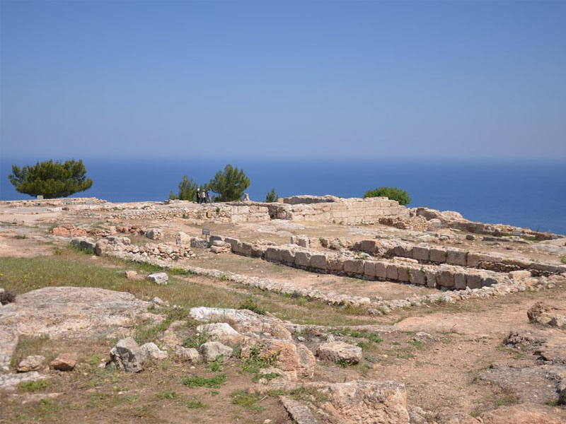 От некогда гигантского дворца Вуни сегодня остались одни развалины